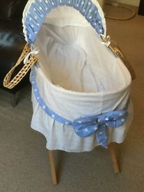 Moses basket & stand