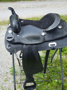 SADDLES FOR SALE - WESTERN AND ENGLISH