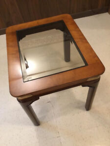 Glass/Wood End Table in Excellent Condition - ONLY $40