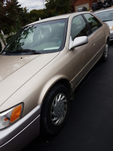 1998 Toyota Camry LE (+ 3 winter tires)