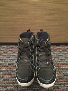 MEXX Boys' Boots, Black, Kid Size 13, EXCELLENT Condition! Edmonton Edmonton Area image 2