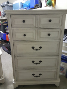 Tressa Chest and 2 Night Tables - Weathered White