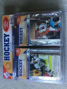 BRAND NEW- 200 PK - 20 SETS OF 10 HOCKEY CARDS