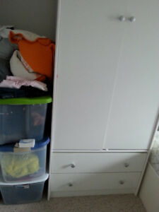 Wardrobe with 2 Drawers