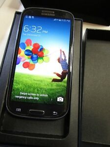 Unlocked Samsung S3 Blue 16GB like new phone in retail box