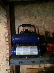 2 Gallon Air Compressor 125psi