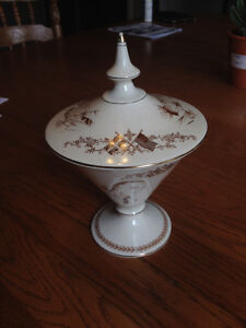 Royal Winton Grimwades Roosevelt/Churchill Covered Candy Dish