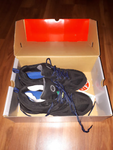 Steel toed safety shoe size 8