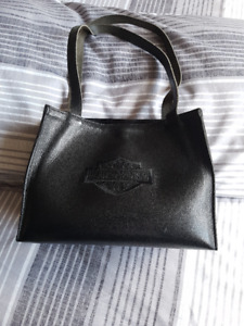 696ccfbfeb7 Harley Davidson   Buy or Sell Women's Bags & Wallets in Canada ...