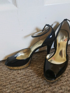 Ladies black patent leather GUESS shoes