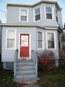One Bedroom in House - 2 Male Roommates - Jan. 1