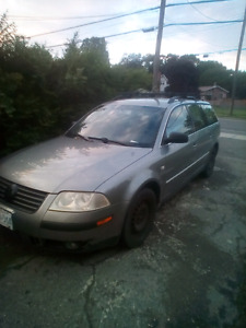 Vw passat 5 speed turbo 2005 1400$