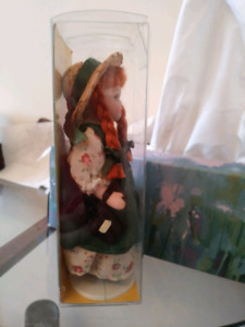 ANNE OF GREEN GABLES PORCELAIN COLLECTORS DOLL