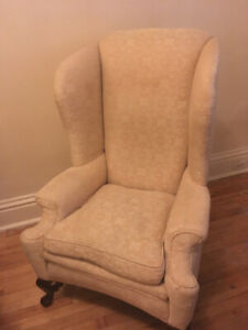 VINTAGE WING BACK ARM CHAIR WITH WOODEN FEET, CREAM PATTERNED