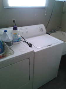 2 rooms for rent in 3 bedroom apartment