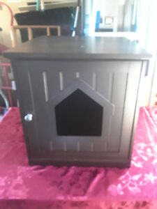 Enclosed Wooden Cat Litter Box House