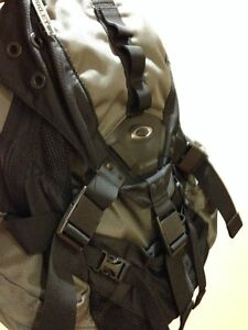 RARE MINT OAKLEY ICON 3.0 REAL TACTICAL LAW ENFORCEMENT BACKPACK Windsor Region Ontario image 2