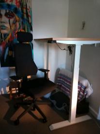 Sit Stand desk excellent condition