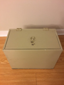 Fire resistant file box / safe