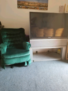 For sale  tv and sofa