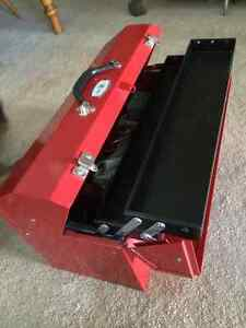 Jet canter lever tool box