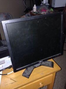"""Dell computer monitor 17"""""""