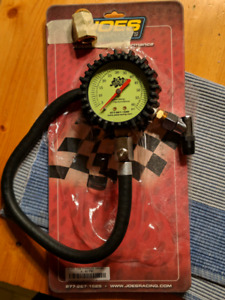 Low pressure tire gauge
