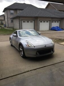 2011 Nissan 370Z Touring Coupe (2 door)