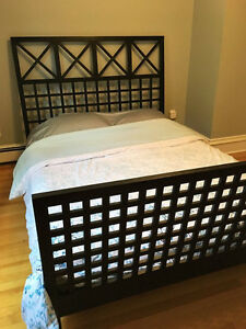Contemporary, Solid Wood, Queen Size Bed