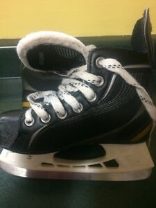 Bauer youth skates  Prince George British Columbia image 1