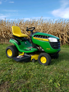 JOHN DEERE D120 LAWN TRACTOR*ONLY 60 HOURS*