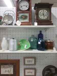 Mantle clocks, oil lamps, tools + 600 booths to explore