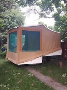 Rare tente roulotte Fibco