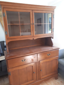 Solid maple hutch in great condition