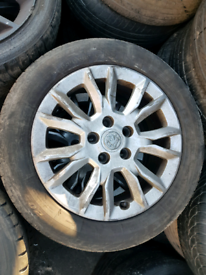 Set of 4 vauxhall Astra H alloy wheels rim with tyre