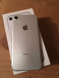 FACTORY UNLOCKED APPLE IPHONE 7 32GB WHITE SILVER BOXED $499