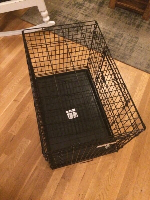 Medium sized dog crate/cage