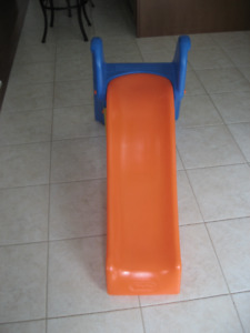 Plastic slide in good condition (Little Tikes)