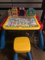 VTech Touch & Learn Activity Desk Deluxe-English Edition