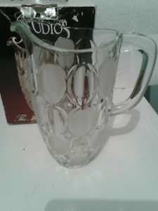 NEW   CRYSTAL   PITCHER
