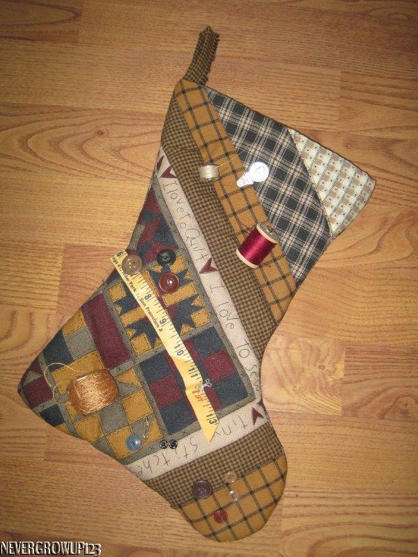 HANDMADE CHRISTMAS STOCKING~QUILT~SEW~STITCHES~SEAMSTRESS~THREAD~BUTTONS~NEW