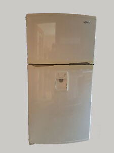Fridge with Ice Maker and In Door Water Dispenser