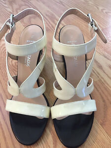 ***BRAND NEW Woman's sandals by Marvin K. sz.7.5 Italian***