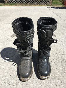 Mooseracing Youth Motocross boots Size 6