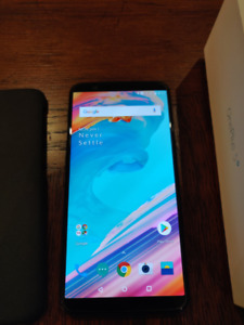 Black OnePlus 5T 128GB 8GB/RAM *FLAWLESS CONDITION*