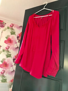 Hot pink maternity shirt top blouse from Thyme. Size m medium