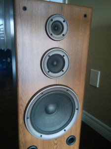 Technics Tower Speakers in Awesome Condition