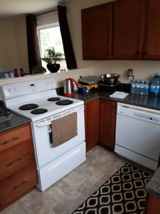 Nice 3 bedroom - upper level house - all included!