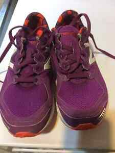 New Balance Running Shoes - Women's Size 6 (Children's 4)