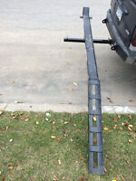 Hitch style motorcycle/dirtbike carrier